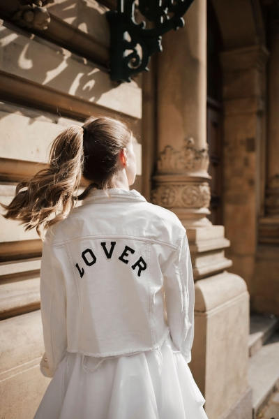 LOVER – Jeansjacke in Weiß