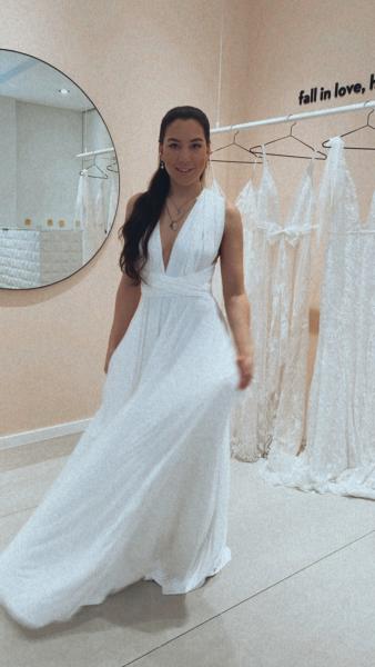 WHITE – Classic Wickelkleid I Standesamt I VORBESTELLUNG Lieferung ab Mitte März