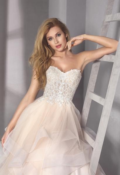 5441 – Brautkleid