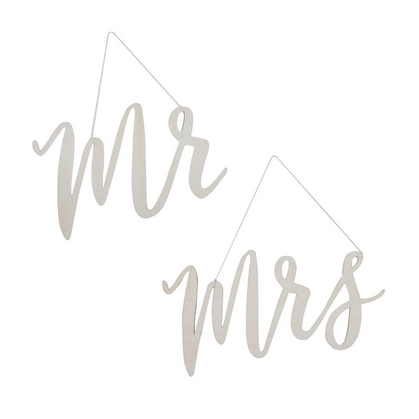 Chair Signs 'Mr & Mrs'