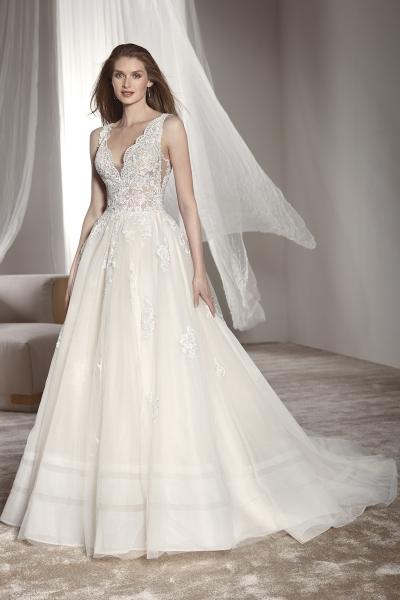 5645 – Brautkleid