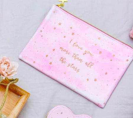 LOVE YOU MORE – Kosmetiktasche mit Sternen in Rosa/Gold