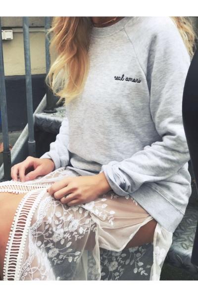 IAY Sweatshirt 'Real Amori' in Grau - Limited Edition