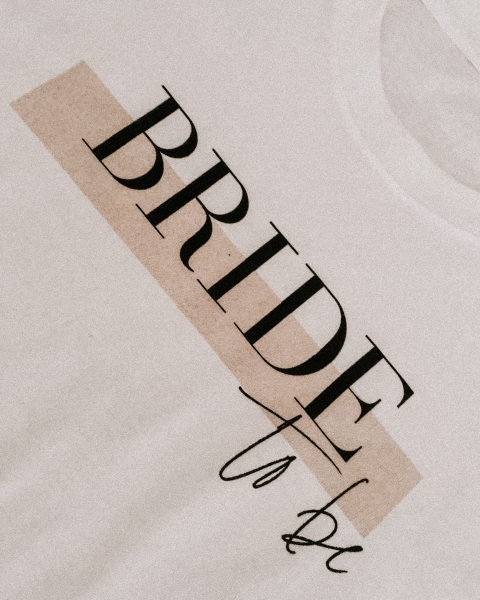 BRIDE to be – Bridal T-Shirt mit Print