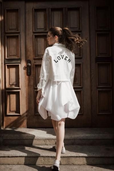 LOVER – Jeansjacke in Weiß
