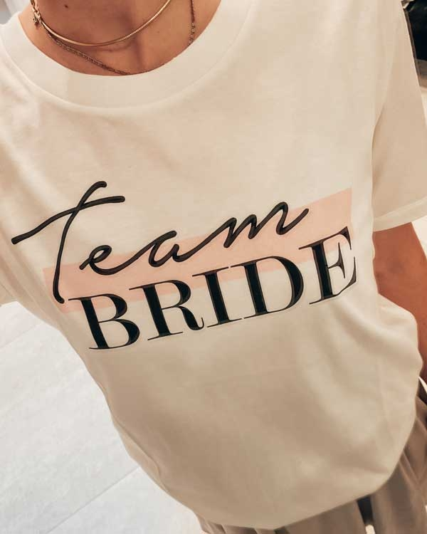 Team BRIDE – Bridal T-Shirt mit Print in ivory